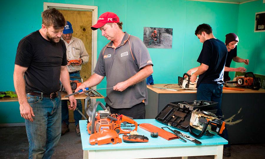 training-ventures-chainsaw-11